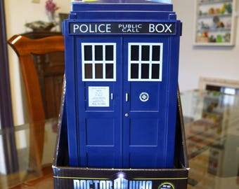 Doctor Who Tardis Blue Police Box Cookie Jar with sound effects and lights – BBC
