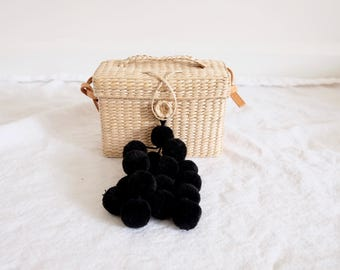 D'small box pompom straw bag