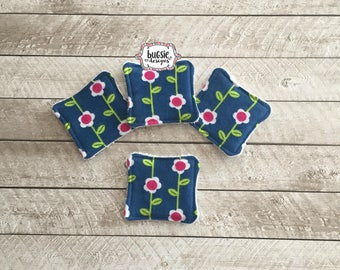 Set of 4 flowers on navy reusable cotton square, cotton rounds, facial care, personal care, makeup remover pads, face scrubbie, eco-friendly