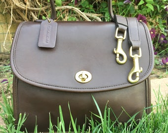 Vintage Coach Manor Bag / Crossbody Bag / Rich Brown Leather with Solid Brass Hardware / EUC / Style 9977