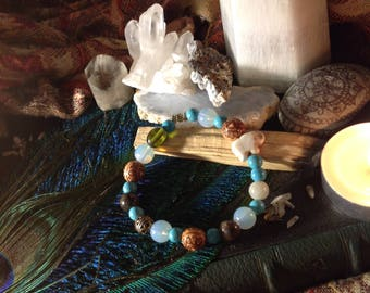Gorgeous mixed crystal and glass stretch bracelet