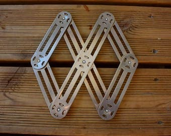 Accordion metal trivet - Vintage - Year 50 - Made in FRANCE -