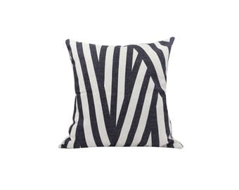 Striped decorative pillow covers Geometric throw pillow covers Linen pillow cases Black cushion case Sofa accent pillows Home decor 18x18