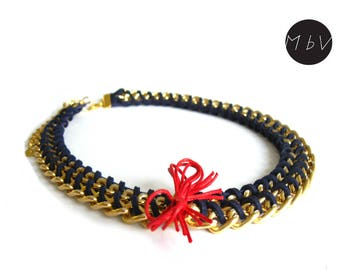 Fashion Jewelry Modern Navy Blue Necklace with Metal Chain, Red Detail and Faux Leather