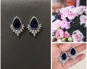 Blue bridal earrings, something blue, Crystal teardrop earrings Vintage gold bridal earrings rhinestones, sapphire eareings, pageant earring