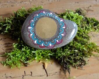 Mandala stone, voluptuous - real ISAR Pebble