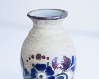 ON SALE Small Mexican Pottery Vase , Vintage Pottery , Hand Made