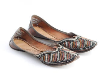 women's indian slippers | leather slippers | fancy leather flats | metallic embroidery hand-made | leather slip ons | size 9