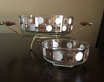 Cool Retro Circle and Square Chip and Dip Set with Stand