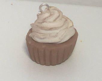 Chocolat Cream Cupcake
