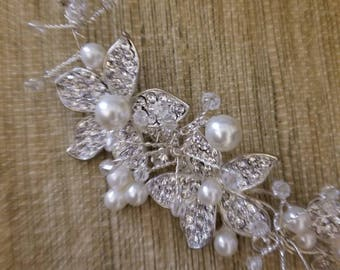 Pearl and crystal hair piece