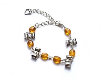 Glass bead bracelet and bow