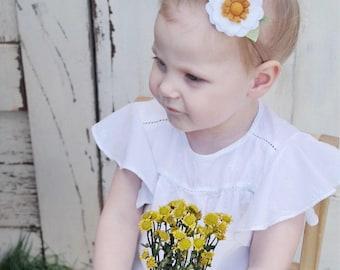 Daisy Felt Flower Nylon Headband • Felt flower • Nylon Headband • daisy headband • baby headband • girl headband • baby shower • birthday