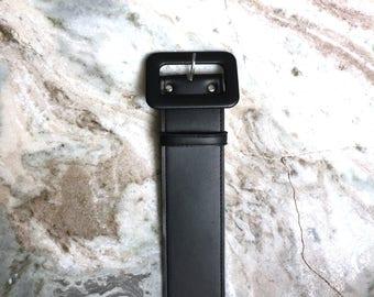 La Femme en Noir - Faux Leather Belt