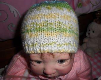 very pretty little baby bonnet