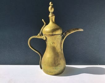 Middle Eastern Dallah Brass Coffee Pot - Hand Hammered Turkish Pitcher / Indian Brass / Moroccan Tea Pot / Vintage Kitchen