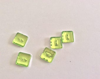 Acrylic button to sew as a set of 4 piece 12 * 12 mm Apple green