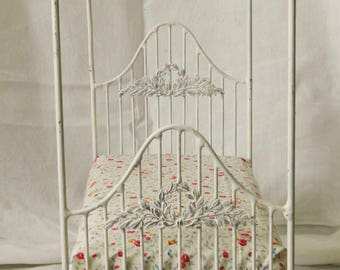 "Artisan Made Barbie 1:6 Scale Wrought Iron Look Bed ""Alexandra"""
