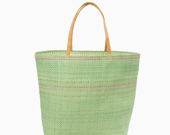 Straw green tote