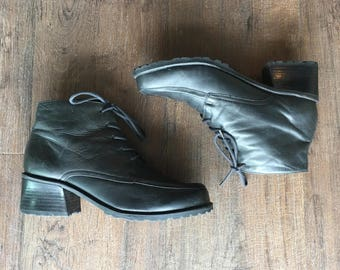 1980's Black Leather Ankle Boots / Booties