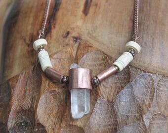 Collier pendentif Cristal Brut naturel • Cuivre • Perles bois • Bijou Artisanal • Bijoux Rustique • Création originale • Pièce unique •
