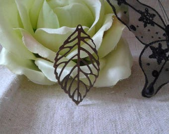 package includes 10 filigree leaves