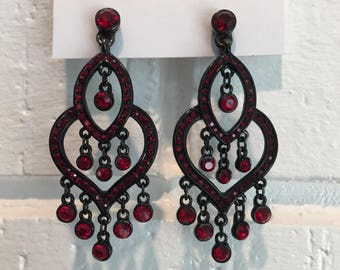 Kenneth Jay Lane Clip On Red & Black Chandelier Dangles Earrings