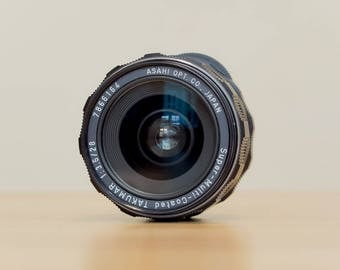 MINT - SMC Takumar 28mm 3.5 - m42 mount lens