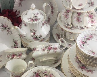Lavender Rose All England Royal Albert Breakfast Lunch Tea and Dinner Set for 8 Exc Cond 68 Pieces Free Shipping USA