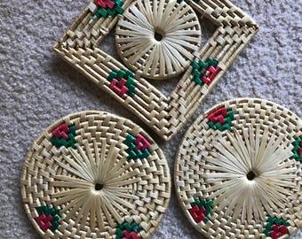 Set of 3 straw vintage  trivets