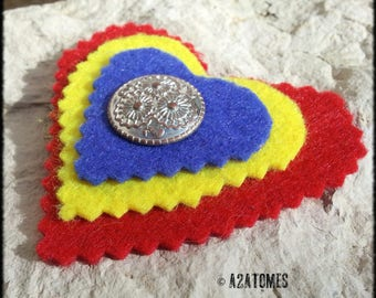 Women sparkling color felt heart brooch red yellow and blue and metal button