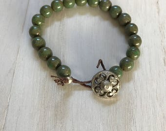 Jade Beaded Bracelet Green Beaded Bracelet Button Clasp Bracelet Green Button Beaded Bracelet