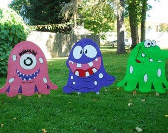 1 halloween goblin monster yard art stakes halloween yard decorations monster yard decoration - Halloween Garden Stakes
