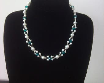 Beautiful Pearl and Crystal Necklace 1323