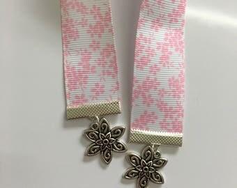 Filigree Flower Ribbon Bookmark