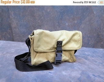 Vintage Small Canvas Day Camera Bag / Case with divider
