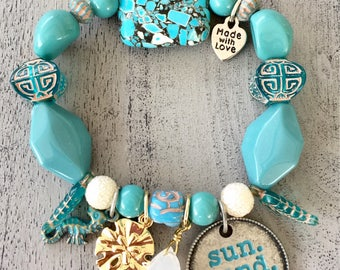 sun sand sea charm stretch bracelet