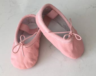 Baby Ballet Slippers Pink Genuine Leather Dance Shoes for Babies Toddler Ballet Shoes Ballerina 1st Birthday Party Cake Smash Outfit