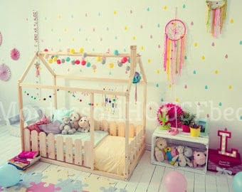 Toddler bed, house bed, tent bed, wooden house, wood house, wood nursery, teepee bed, wood house bed, wood bed frame, kids teepee & SLATS