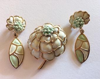 HOLLYCRAFT* Gorgeous Enamel Flower Brooch & Clip On Earrings Demi Parure