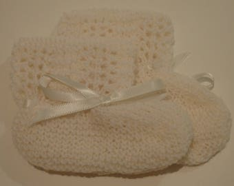 Cream Knitted Booties