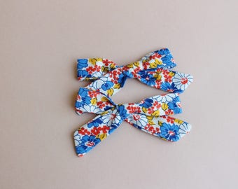Floral Blue Hand-tied | Hand-tied, Girl Hair Bow, Hair Bow, Hair Accessories, Newborn Headband, Hair Bows, Baby Bows, Nylon