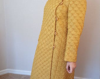 Beautiful Mr R ... of course 1960'2 vintage Gold Coat/Size 10