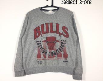 Free Shipping Vintage 90s  CHICAGO BULLS sweatshirt
