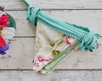 Green floral bunting with polkadot edging 4 meters long & ties at each end, Floral country style party bunting, vintage wedding bunting