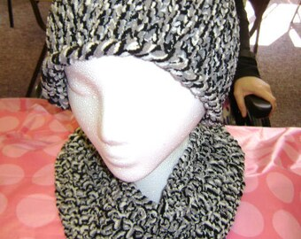 Black and White Hat and Scarf Set