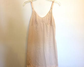 Vintage 1960s Beige Knee Length Slip with Lace Detail Size 34 bust