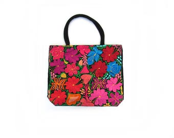 mexican handbag / flower embroidery / pink and red