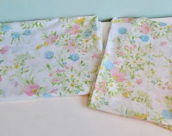 Vintage Twin Floral Flat Sheet with Two matching pillowcases, Vintage Linen, Vintage Bedding, Percale No Iron