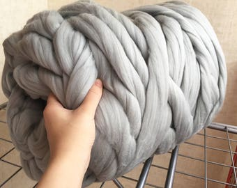 Gray Merino Yarn - Unspun Yarn -Unspun Wool - Chunky Yarn - Handspun Merino - Super Bulky Yarn - Chunky Wool - Merino Wool Yarn